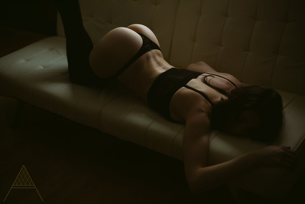 aiota-boudoir-intimate-portrait-photography-vancouver-44.jpg
