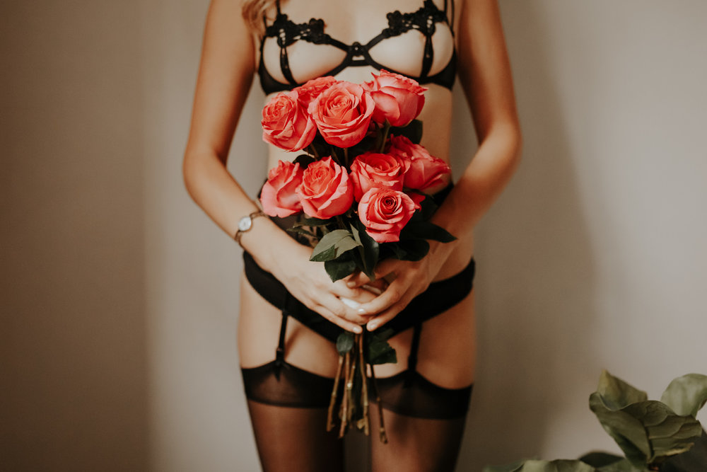 Subtle & Feminine Boudoir Session - September 24, 2017