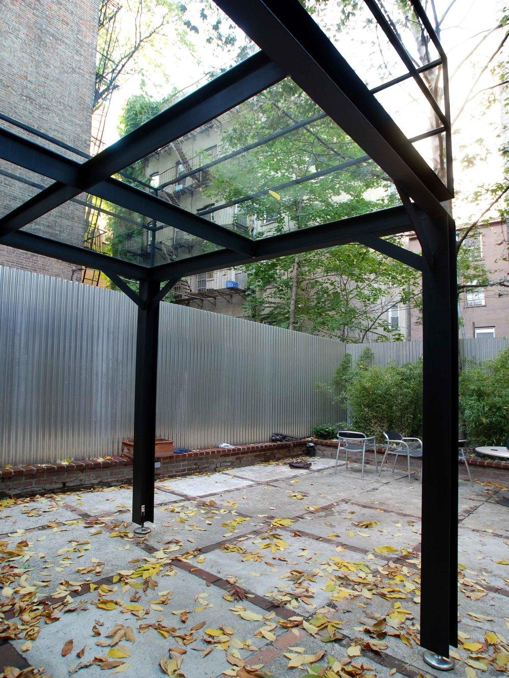 Serett Metalworks Residential Glassbalcony 3-28.JPG