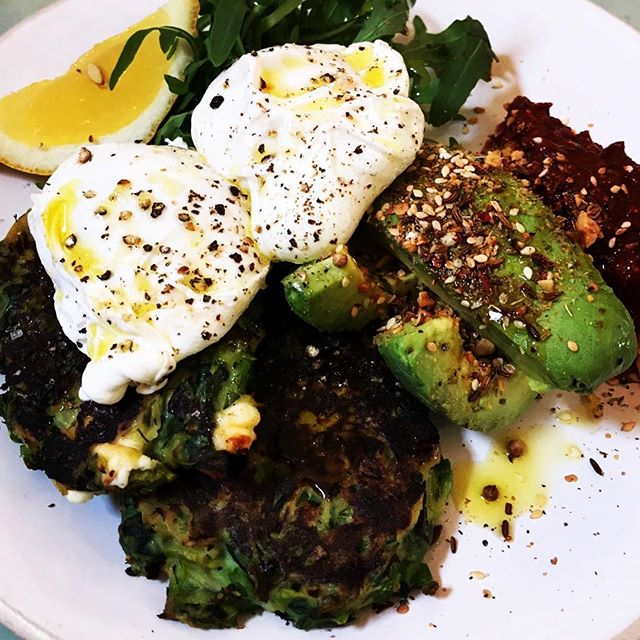 Healthy Brunch #poachedeggs #spinachsalad #avocado #feelgoodmornings