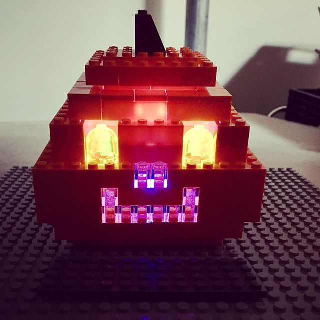 Happy Halloween! 🎃  Why carve a pumpkin when you can build one with #LEGO and Lectrify!  #led #legos #halloween #halloween2017 #halloweendiy #stem #steam #engineering #electronics #circuits #pumpkin #pumpkins
