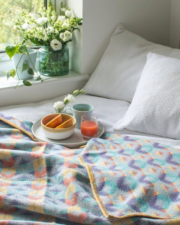 Happy royal wedding day!  Fresh and bright - the Sorbet blanket. One left on my website! #SUYhome #colourmyhome #nestandthrive #myhousethismonth #cornersofmyhome