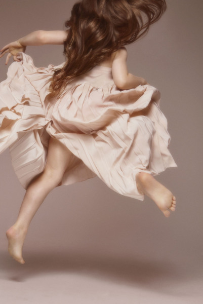 Hetty dancing Size: 70 x 46 cm / Kr 6390,-