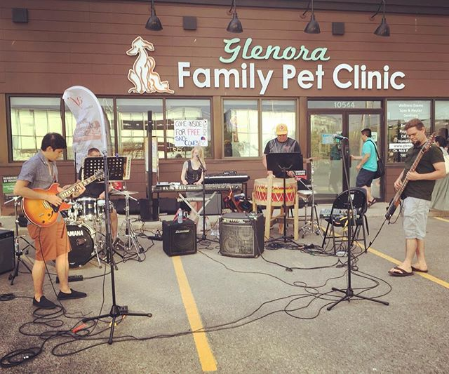 Nothing like a good old parking lot gig. Had a lot of fun. . . . . . . . #yegmusic #yegband #makemusicedmonton #edmontonmusicscene #newmusic #yegshows #edmontonliving #instagramyeg #albertamusic #albertamusicscene #yeg #edmonton #yegnews #albertalife #bandlife