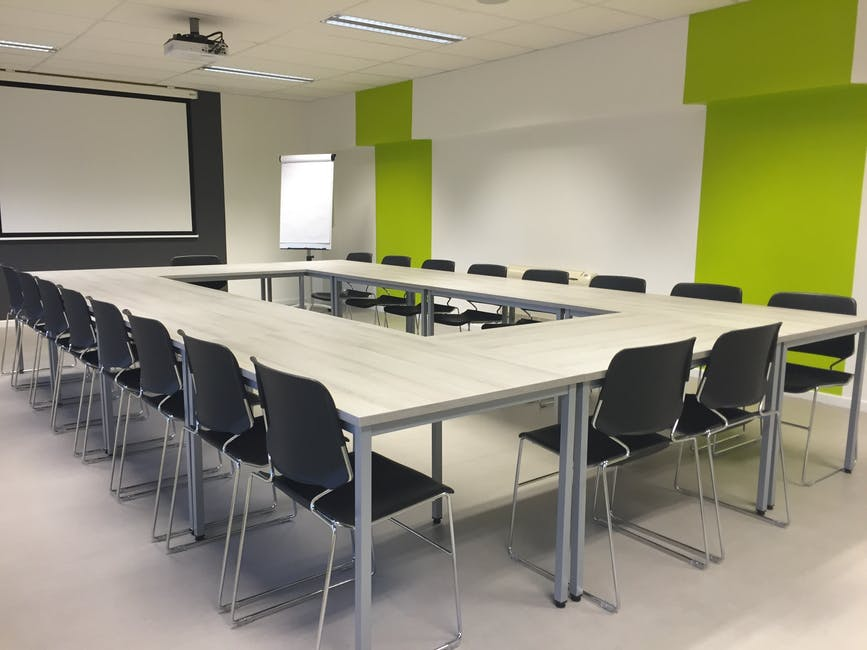 meeting-modern-room-conference-159805.jpeg