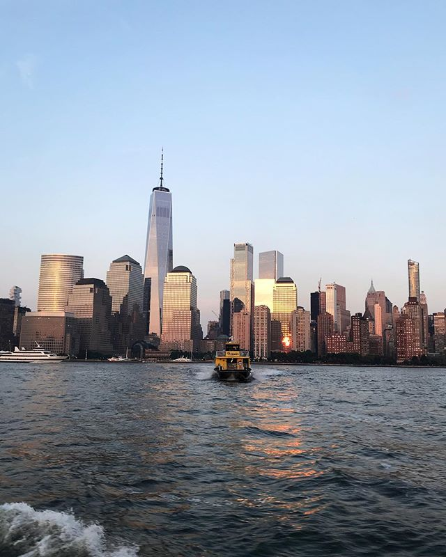 I basically want to take a sunset cruise every night now. 🌆 . . . . . . . . . #nyc #iloveny #boattour #lowermanhattan #1wtc #touristinmyowncity #sunset #architecture