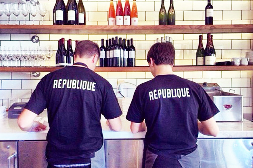 République tshirts