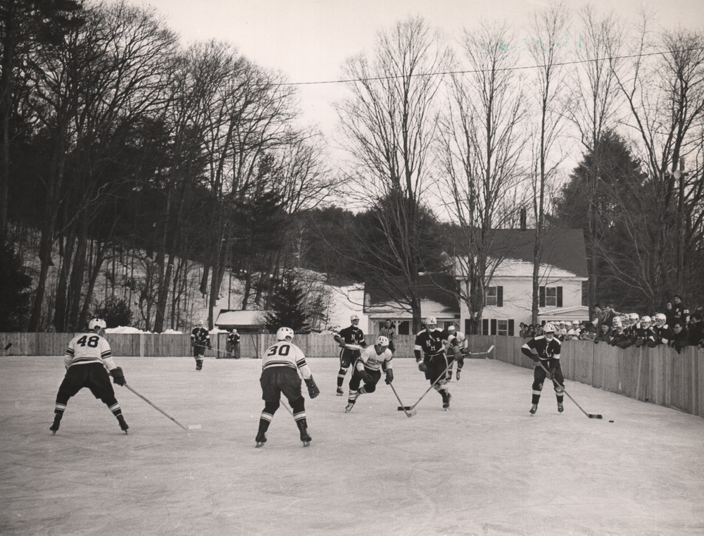 023Hockey.jpg