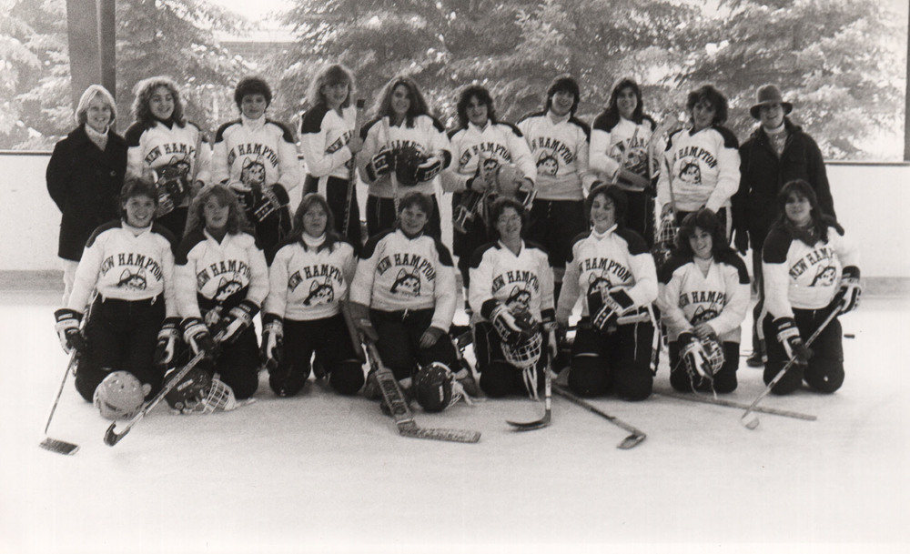 019Hockey.Womens.1983.jpg