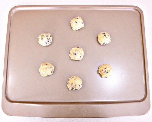 How to Bake Chocolate Chip Cookies Perfectly -MIY with Melissa