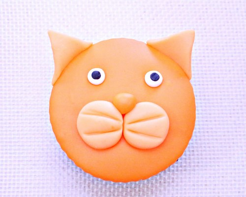 Fondant Kitty Cat Cupcakes Tutorial -MIY with Melissa