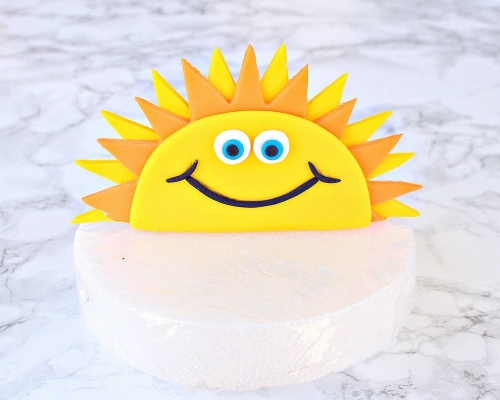 Easy DIY Fun in the Sun Gumpaste Cake Topper -MIY with MelissaEasy DIY Fun in the Sun Gumpaste Cake Topper -MIY with Melissa