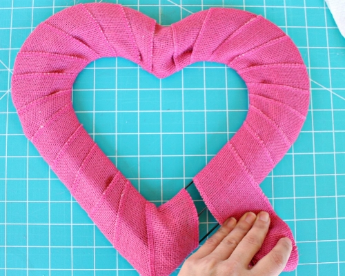 Valentine's Day Burlap Heart Wreath _MIY with Melissa