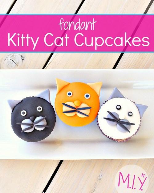 Fondant+Kitty+Cat+Cupcakes+ 1.jpg