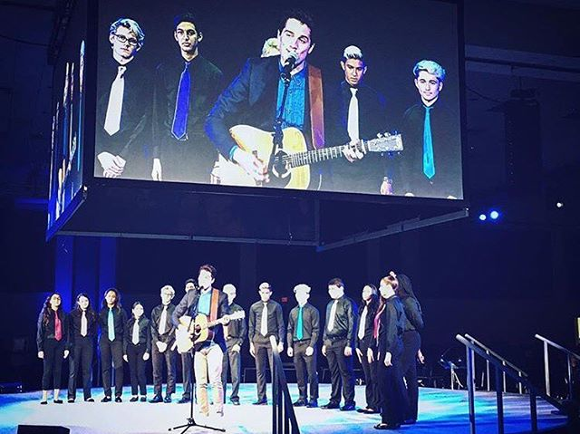 @jesseruben performing with the Coral Springs Choir today in Ft. Lauderdale, FL for 1500 Charter School USA teachers! • • • • • • #coralsprings #fortlauderdale #choir #live #livemusic #wecan #thewecanproject #charterschool #charterschools #inspire #dream #dreambig #goals #project #learn #service #community #communityservice #backtoschool