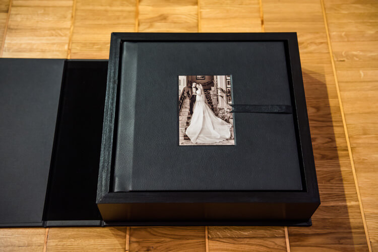 Leather-albums-boxes-guestbook-003.jpg