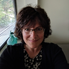 Dr Lynn Owens