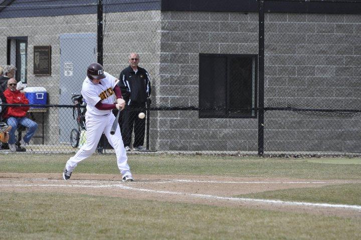 Jack Thompson hitting right handed at Wayne State University