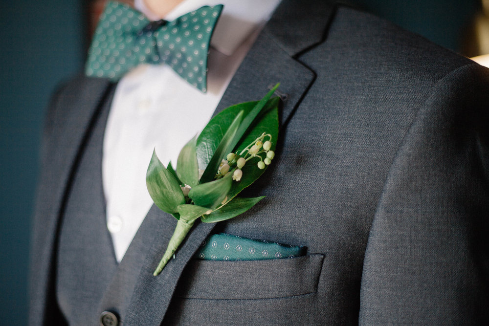 groom details, bow tie and hankerchief