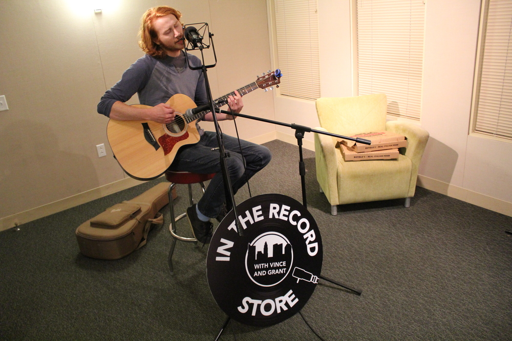 "Lucas Harris of Playing To Vapors singing ""Emerald Song"" on #ITRS."