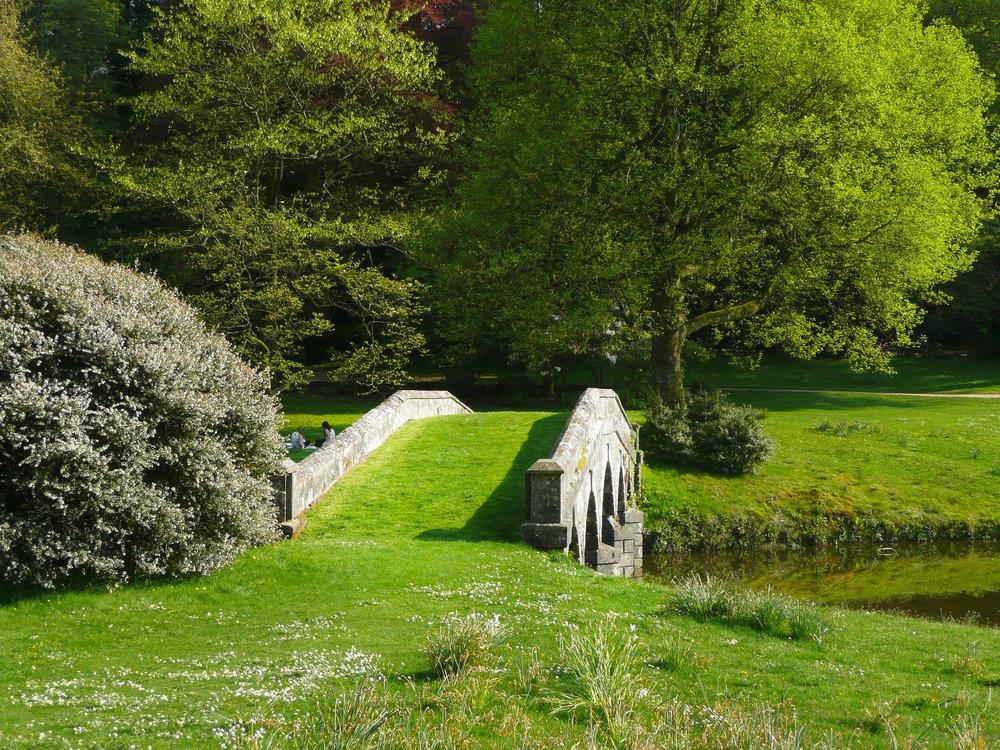 stourhead-garden-849742_1920.jpg