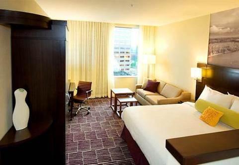 pdx hotel 02.jpg