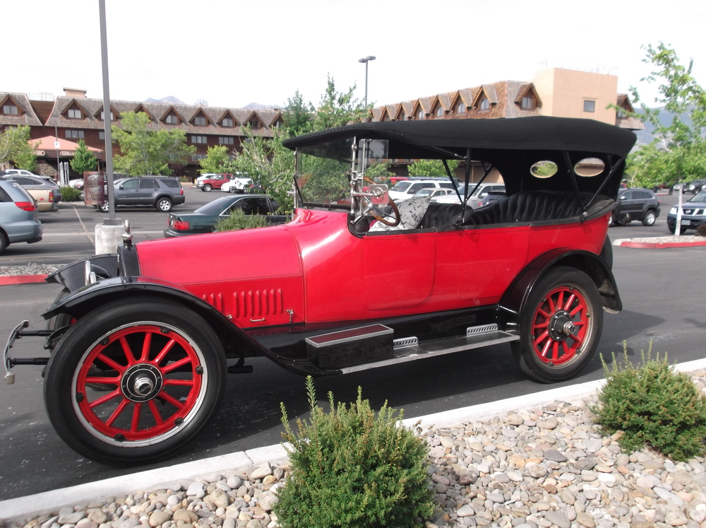 1915 Buick.JPG