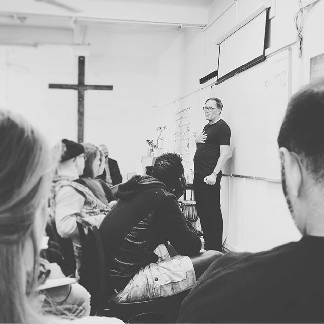 The man of peace has arrived. ✊🏼 So blessed to have our dear friend @danhbaumann with us all week for @alifetogetherdts telling stories of risk taking obedience. ⚡️