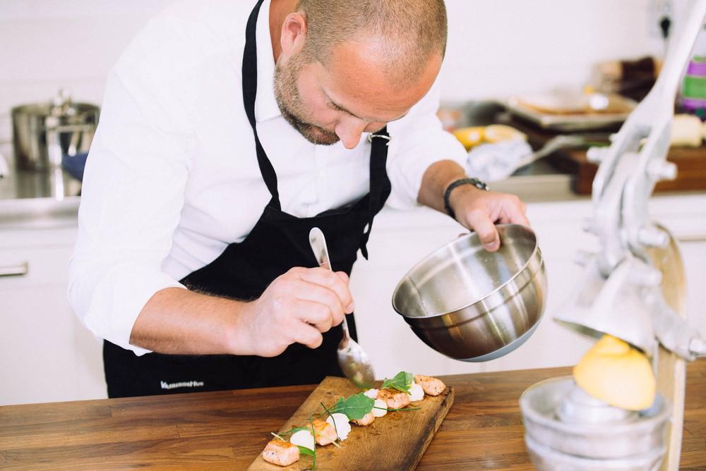 Samtliga recept är skapade av den välrenomerade kocken  Henrik Lyberg