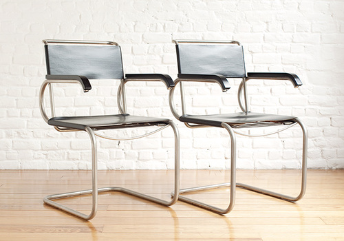 Two D40 chair by Marcel BreuerBLAUWdesign Brussels