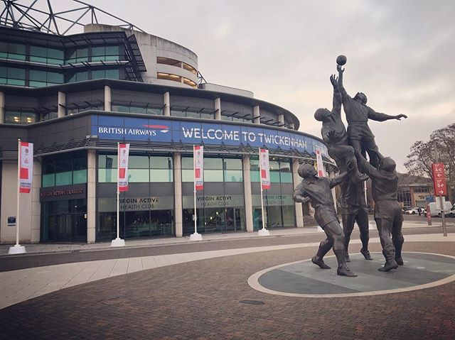 Excellent recce at @twickenham_stadium, 🏉 the new East Stand facilities are 🔥, hoping they'll invite me back on match day... . . . . . #rugby #rugger #eggchasing #swinglow #sweetchariot #locationscouting #venue #events #eventdesign #productionlife #creative #swlondon #stadium #twickenham #geraldlaing #conference #productlaunch #brandtakeover