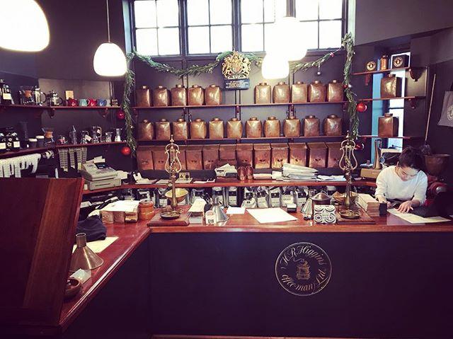 Coffee Mayfair style ☕️ @hrhigginscoffee . . . . . #caffeinefix #cuppa #instacoffee #coffeegram #caffeinejunkie #mayfair #cafe #hrhiggins #interiordesign #classic #interiors #hiddenlondon #venue #spacetocreate