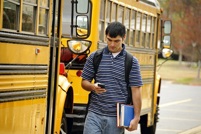 Head-Up-Phone-Down-When-Headed-Back-to-School-NSC-photo