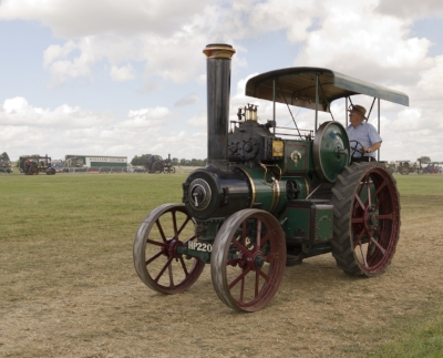 Ruston_Proctor_Steam_Tractor__The_Lincoln_Imp_,_Gloucestershire_Steam_&_Vintage_Extravaganza_2013.jpg