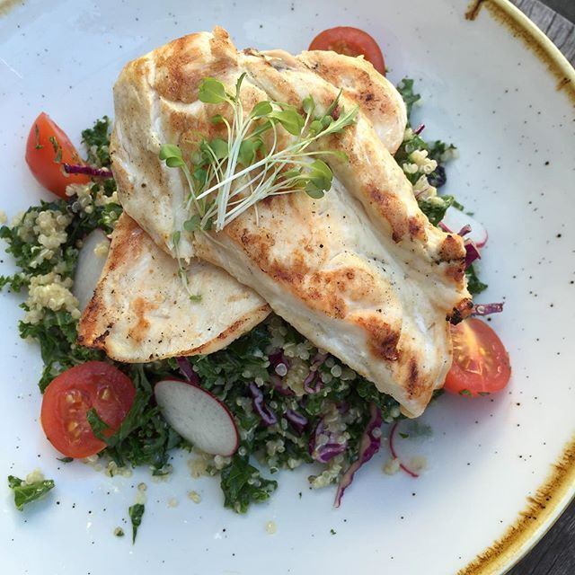 Healthy lunch for #weekend #brunch #kafeine #balmain #kafeinebalmain #sydneycafe #sydneyfoodshare #havealovelyday
