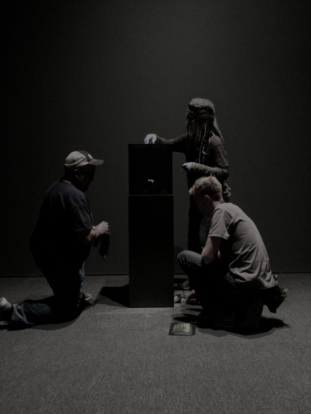 En montage avec l'équipe de SITE. Installation de la montre BW