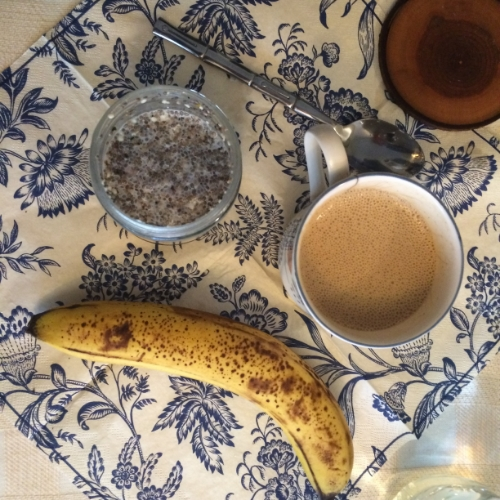 For a few breakfasts I made chia seed pudding (2-3 TBSP chia seeds, almond milk, coconut flakes, cinnamon) and let it sit overnight or even just 15 minutes to expand. With half a banana and bullet-proof coffee.