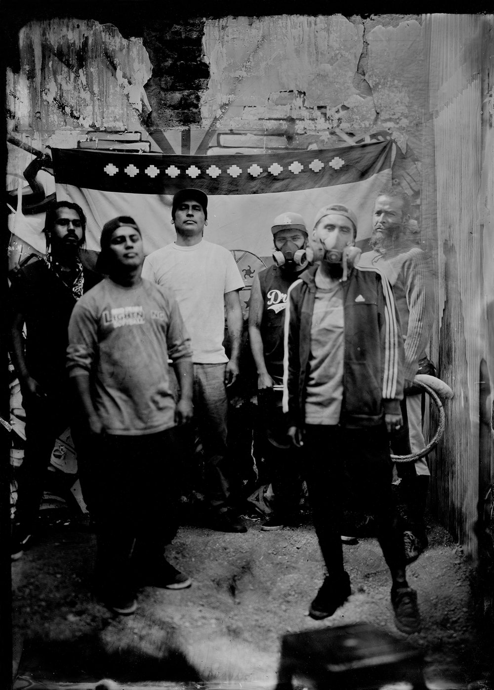 Pukutreñuke, rap Mapuche  (2016)  Photographie sur plaque de verre au collodion humide  Ritual Inhabitual  © Ritual Inhabitual, courtoisie H Gallery, Paris