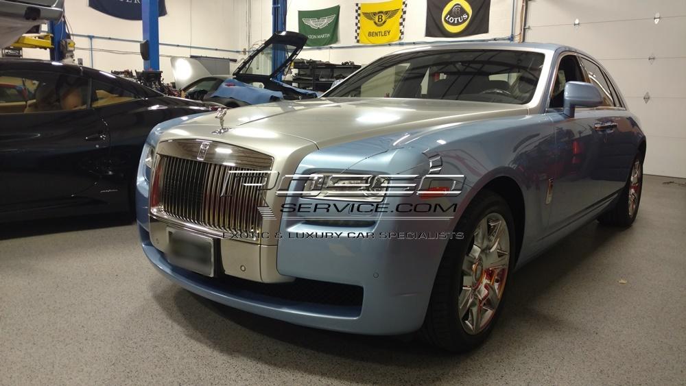 Rolls Royce Ghost shop front side.jpg