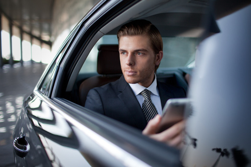 Jumeirah - Complimentary Wi-Fi and Limousine Transfers 1.jpg