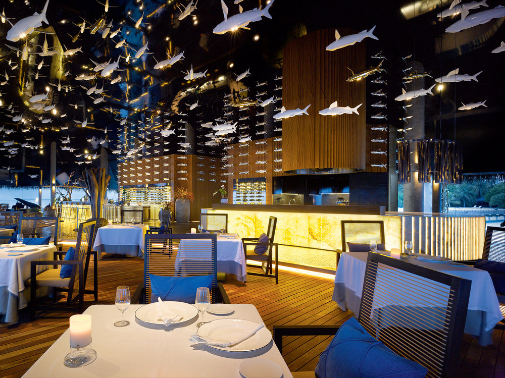 Velaa-Aragu-Restaurant-Cru-Lounge-Interior.jpg