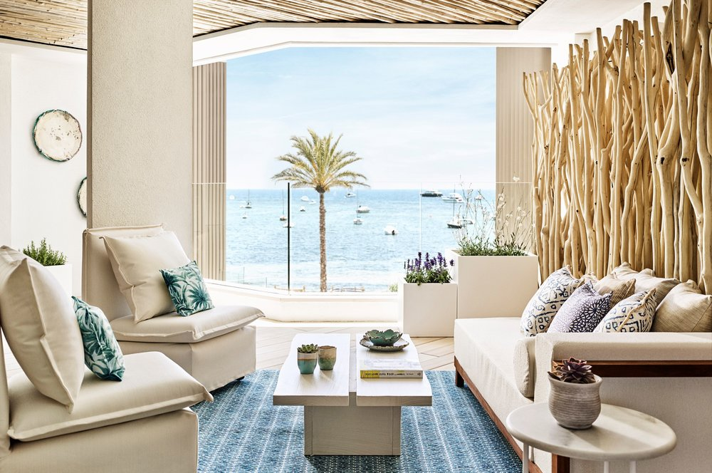Deluxe Suite terrace.jpg