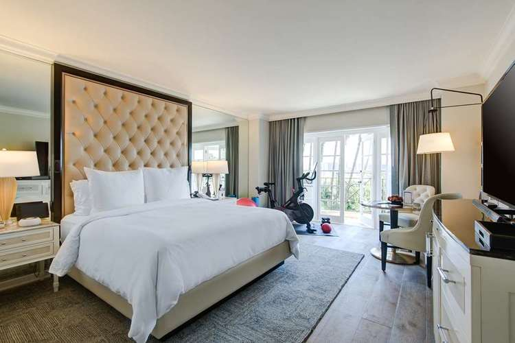 Four Seasons Beverly Hills 3.jpg