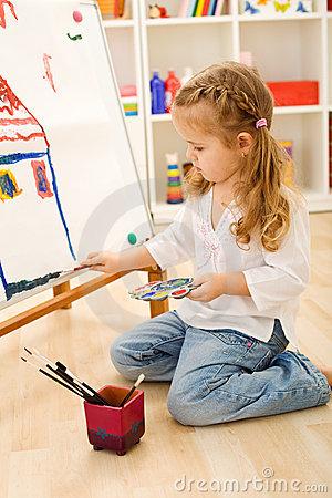 little-artist-girl-12852487.jpg