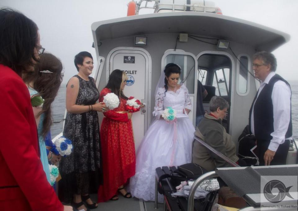 msemail_amanda_spirit_wedding_watermark_3_trianglenewsjpg-js378126081.jpg
