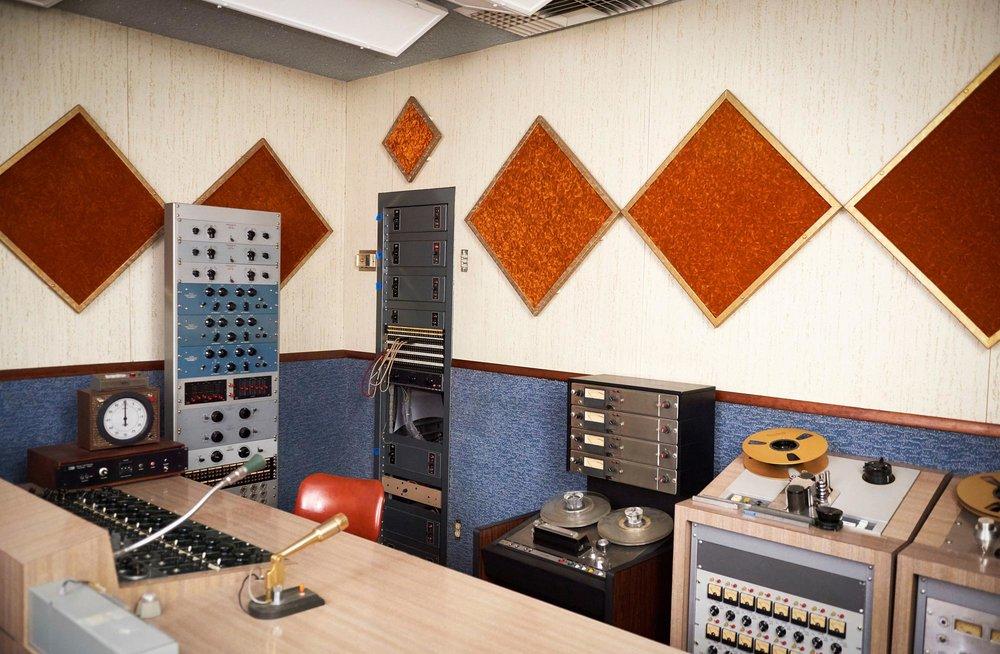 Valentine-Studio0453.jpg