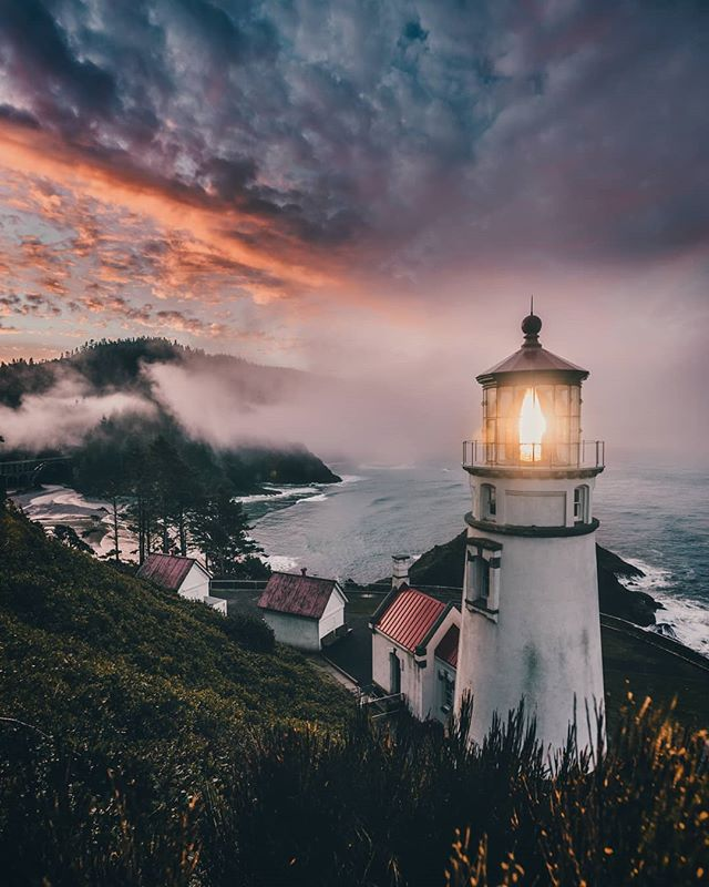Day 2 on the coast. Had to be up by 430 am to get to Heceta Lighthouse north of Bandon before dawn. We made it just in time for the fog to clear enough for an amazing sunsrise sky.  Shot with the Sony A7R II and the 16-35mm 2.8