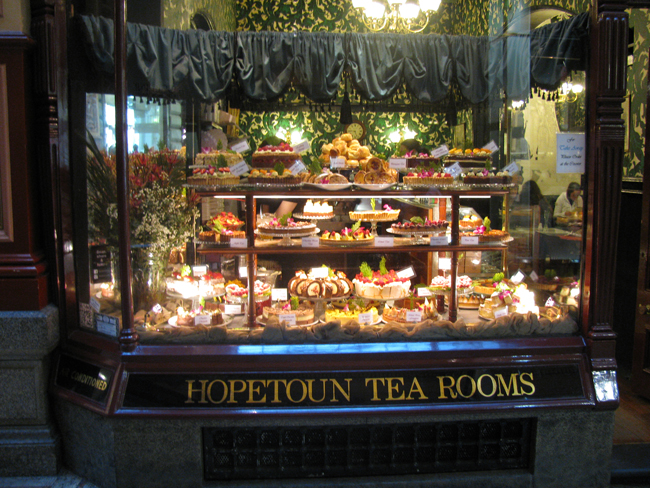 Since 1896, Hopetoun Tea Rooms has been serving delicious goodies in the Royal Arcade. We were lucky enough to just walk in and get a table for breakfast - amazing!