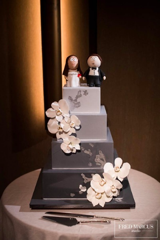 Photo by:    Fred Marcus    / Cake by    Ron Ben-Isreal    / Topper    Butterfly Bake Shop
