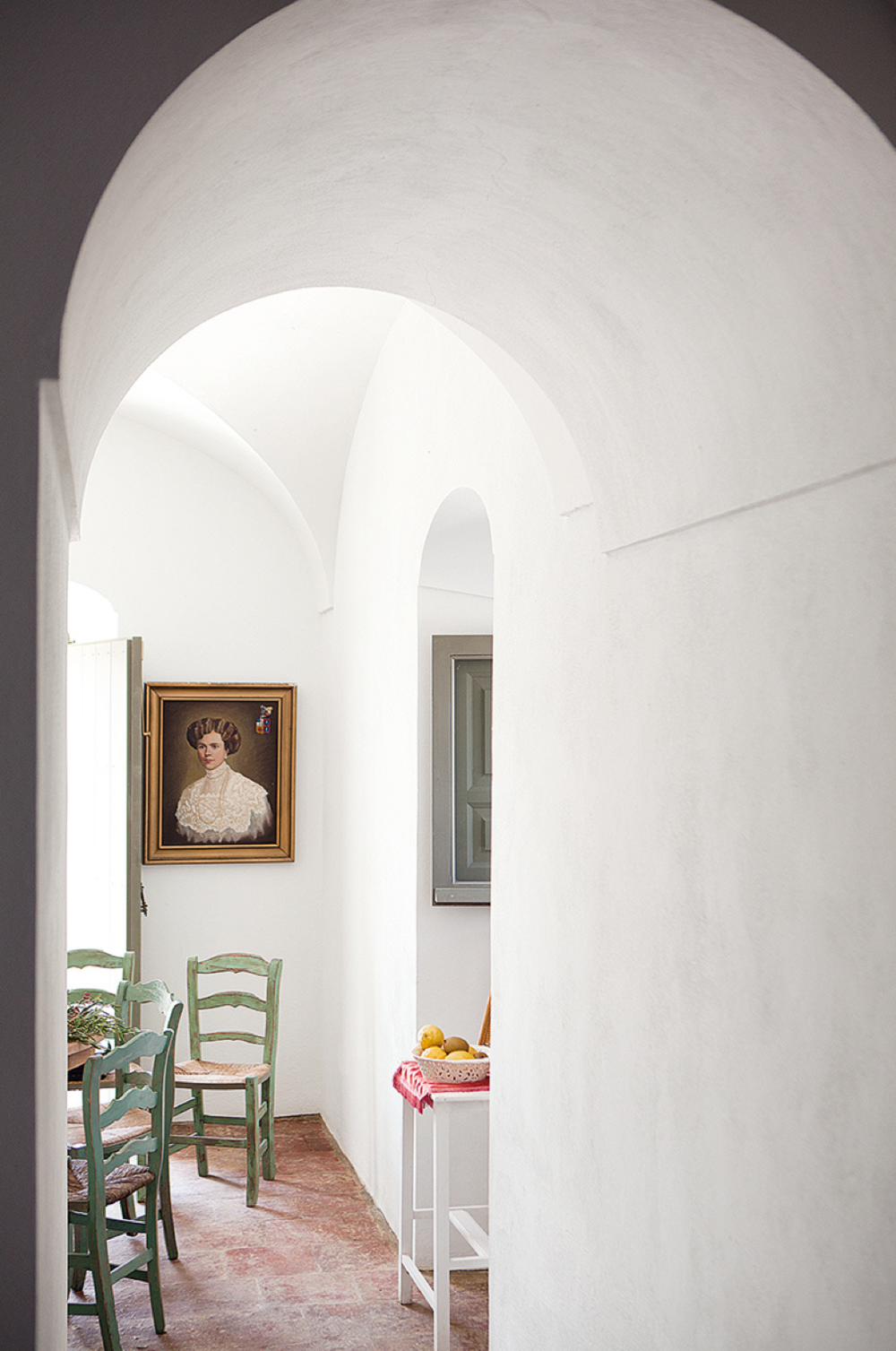 How gorgeous is the 4ft width of this archway?
